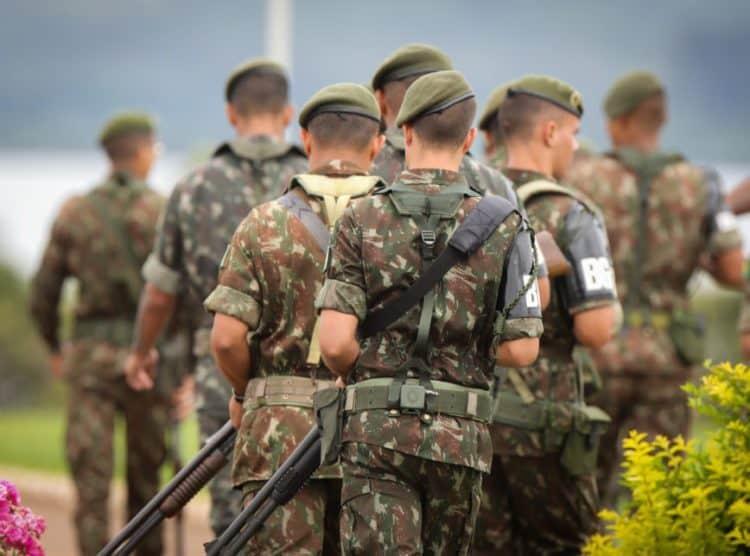 previdência militar aposentados quarentões filhas com pensões